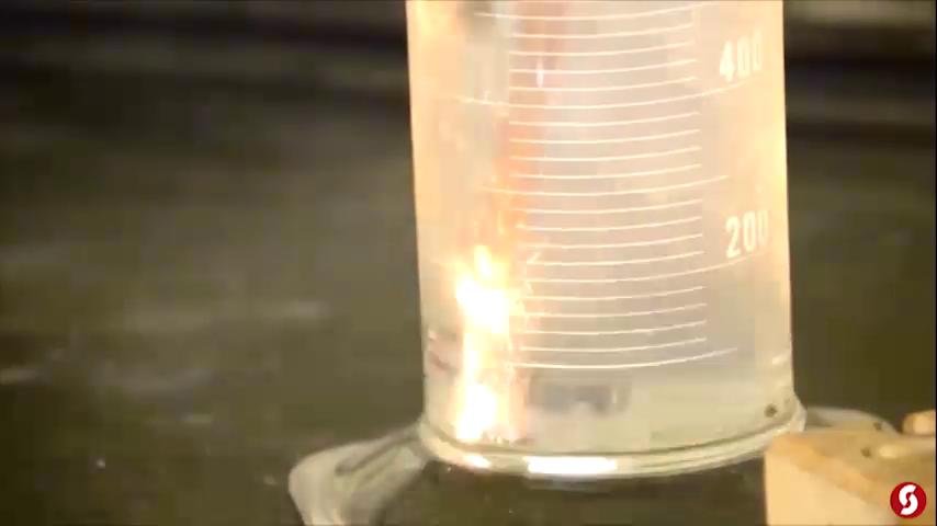 The Science Behind Underwater Fireworks